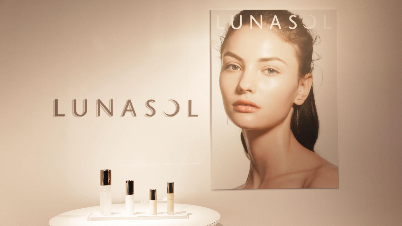 ルナソル、じゅんわり「水ツヤ肌」を叶える新商品を発表