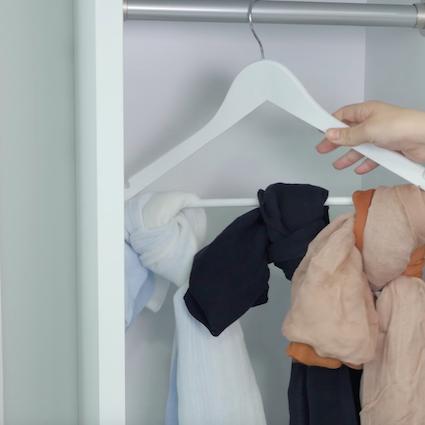 【DIY】綺麗にスッキリ!スカーフの収納法 3選