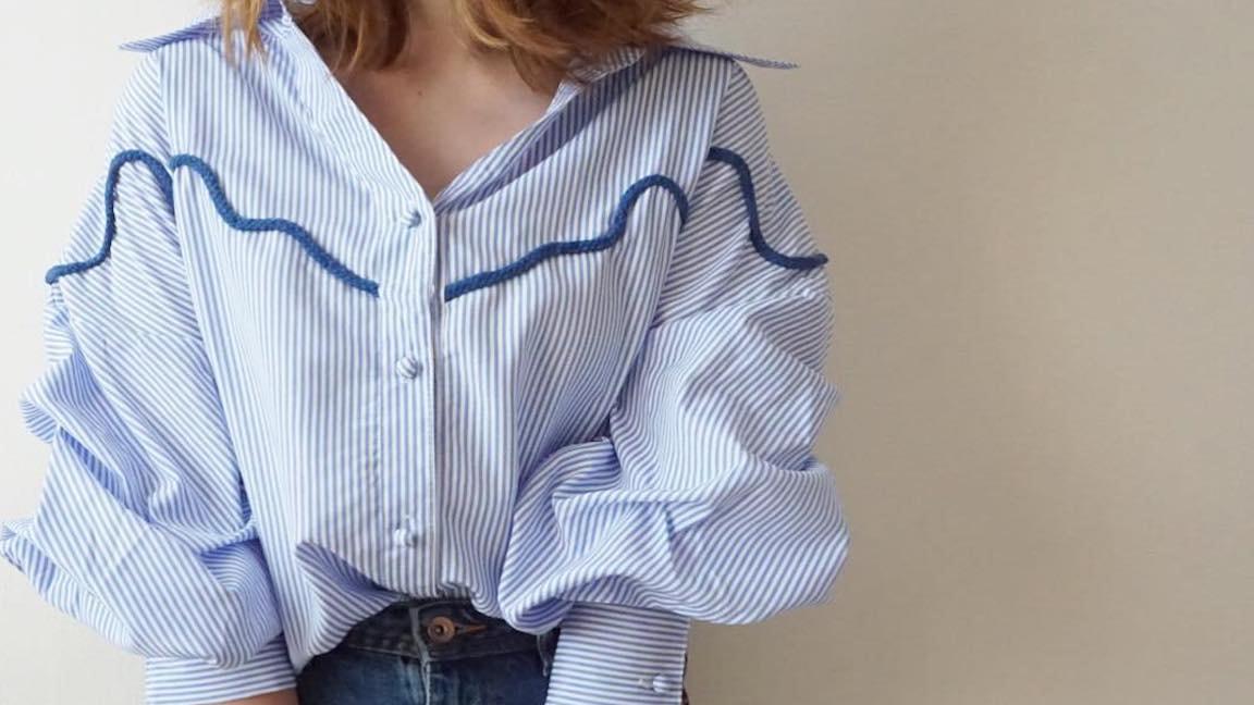 バリエーション豊か!いろいろなシルエットのストライプシャツで秋冬コーデを彩る