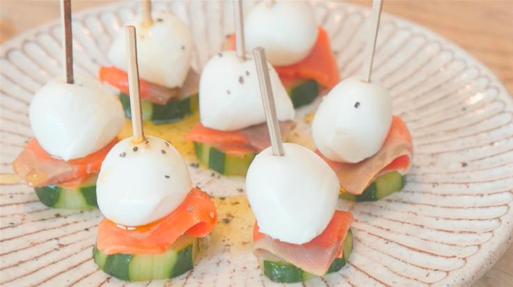 《食卓を彩る》簡単でおしゃれな春のおもてなしVol.2【サーモンとチーズのひとくちピンチョス】