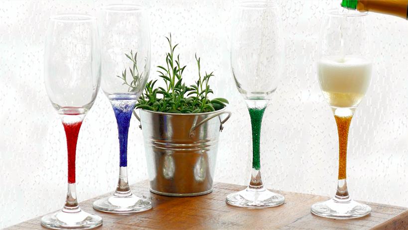 【DIY】シーンに合わせて使い分け!シャンパングラスをグリッター付け
