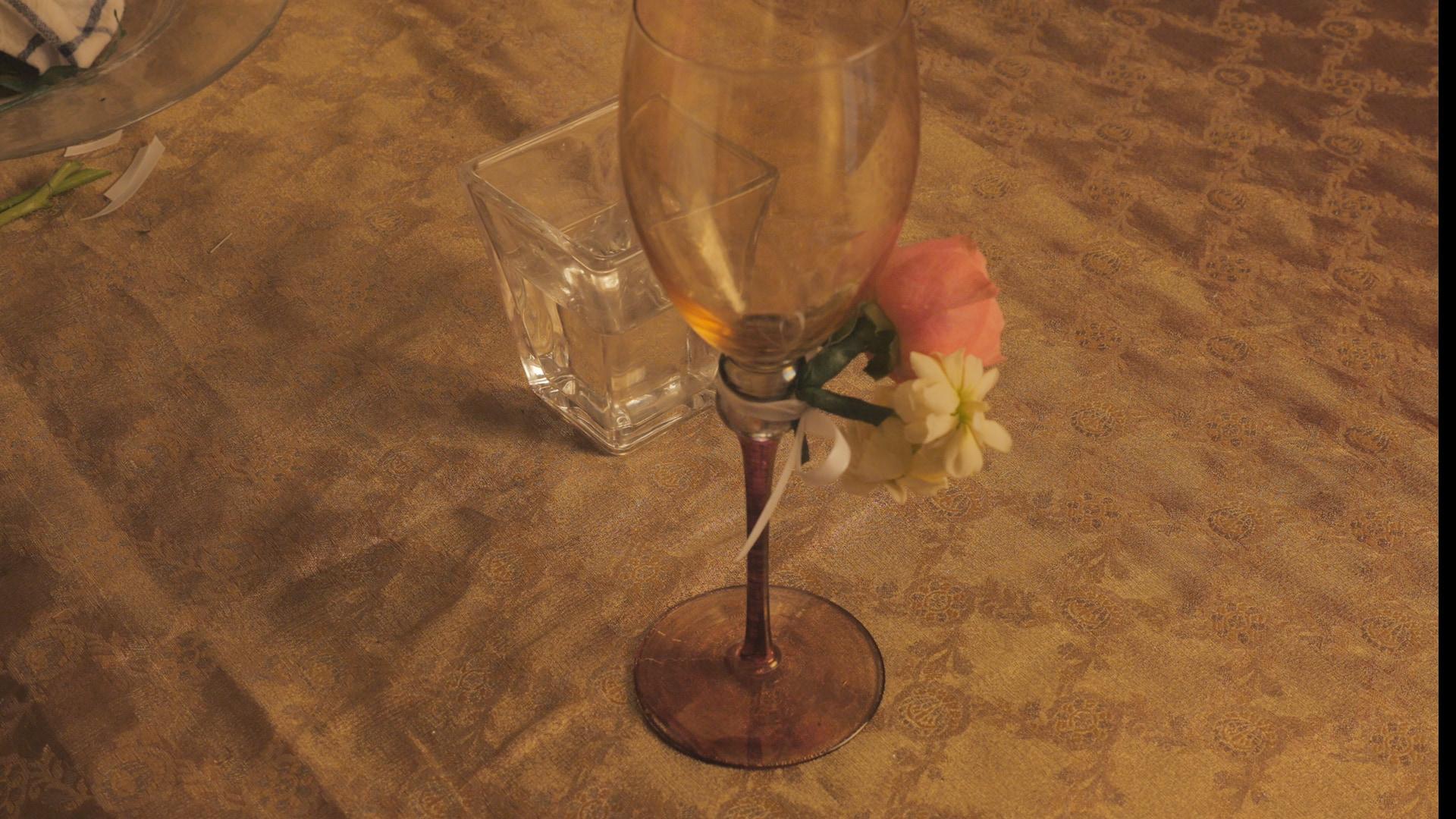 \特別なパーティーに!/フラワーアレンジVol.14『グラスにつけるミニコサージュ』
