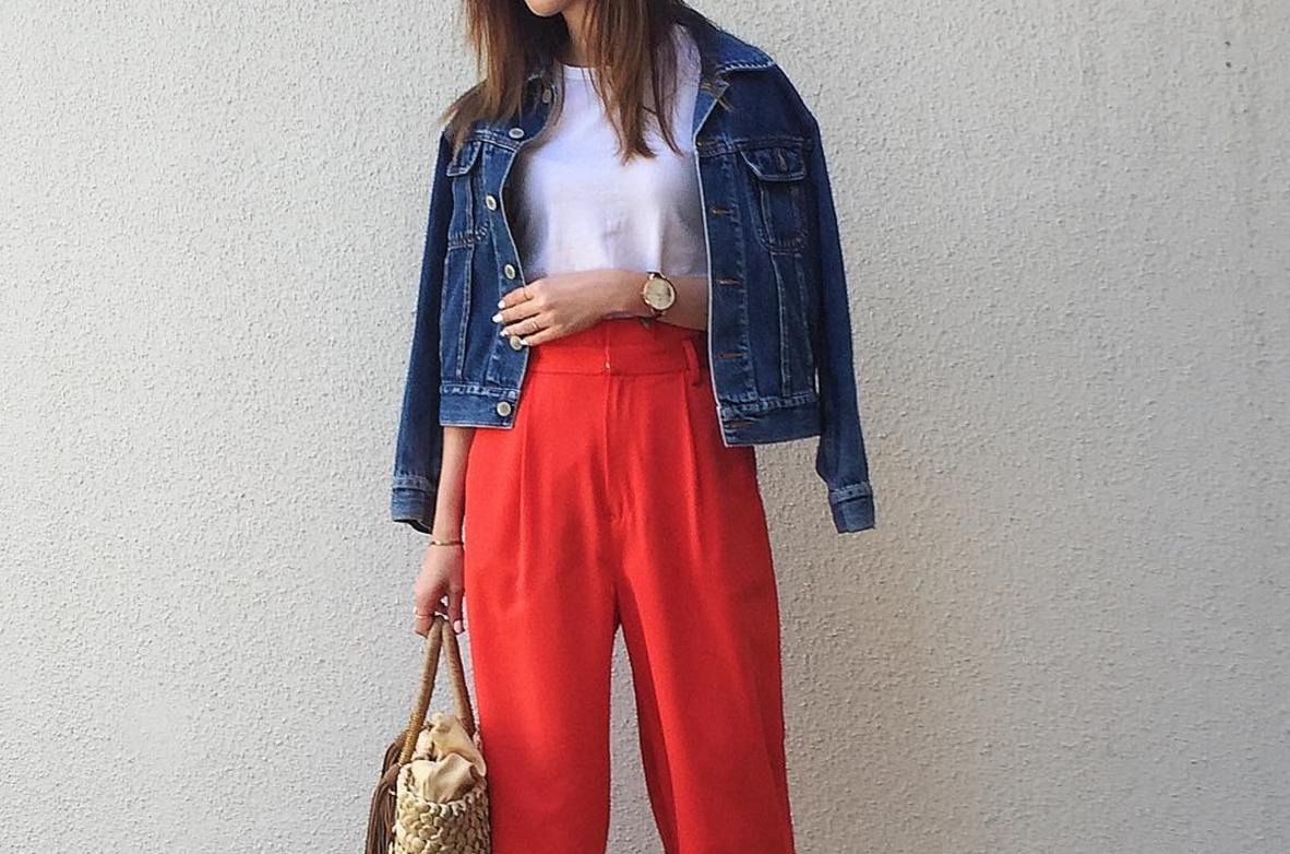 春夏はふんわり感が命!赤パンツはボリュームたっぷりなシルエットで旬に着こなす