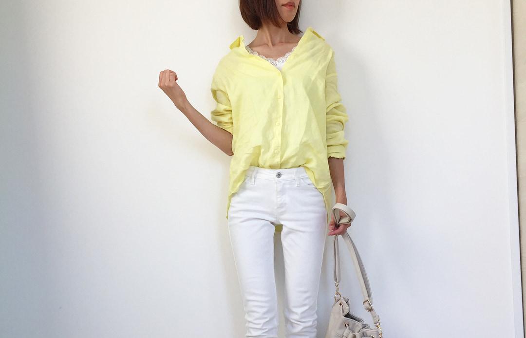 透明な質感がたまらない!リネンシャツで満喫するナチュラルなサマースタイル
