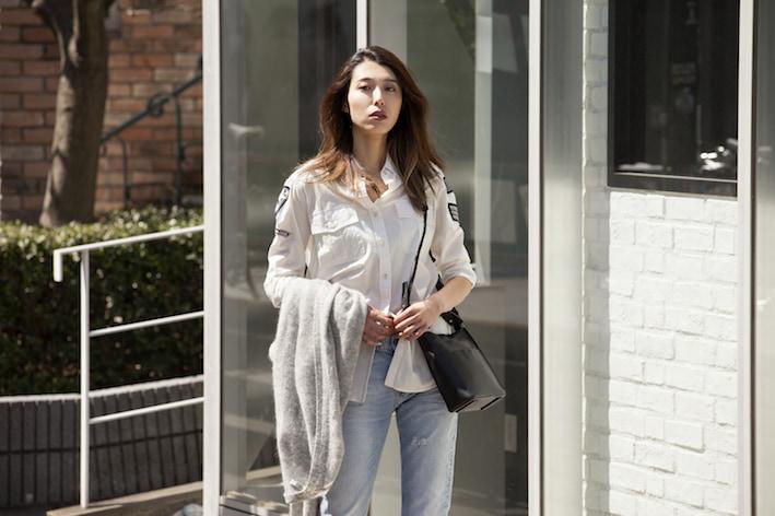定番のシャツ×デニムにひと味効かせたスタイル/Angieさんの7days coordinate ♯Day3