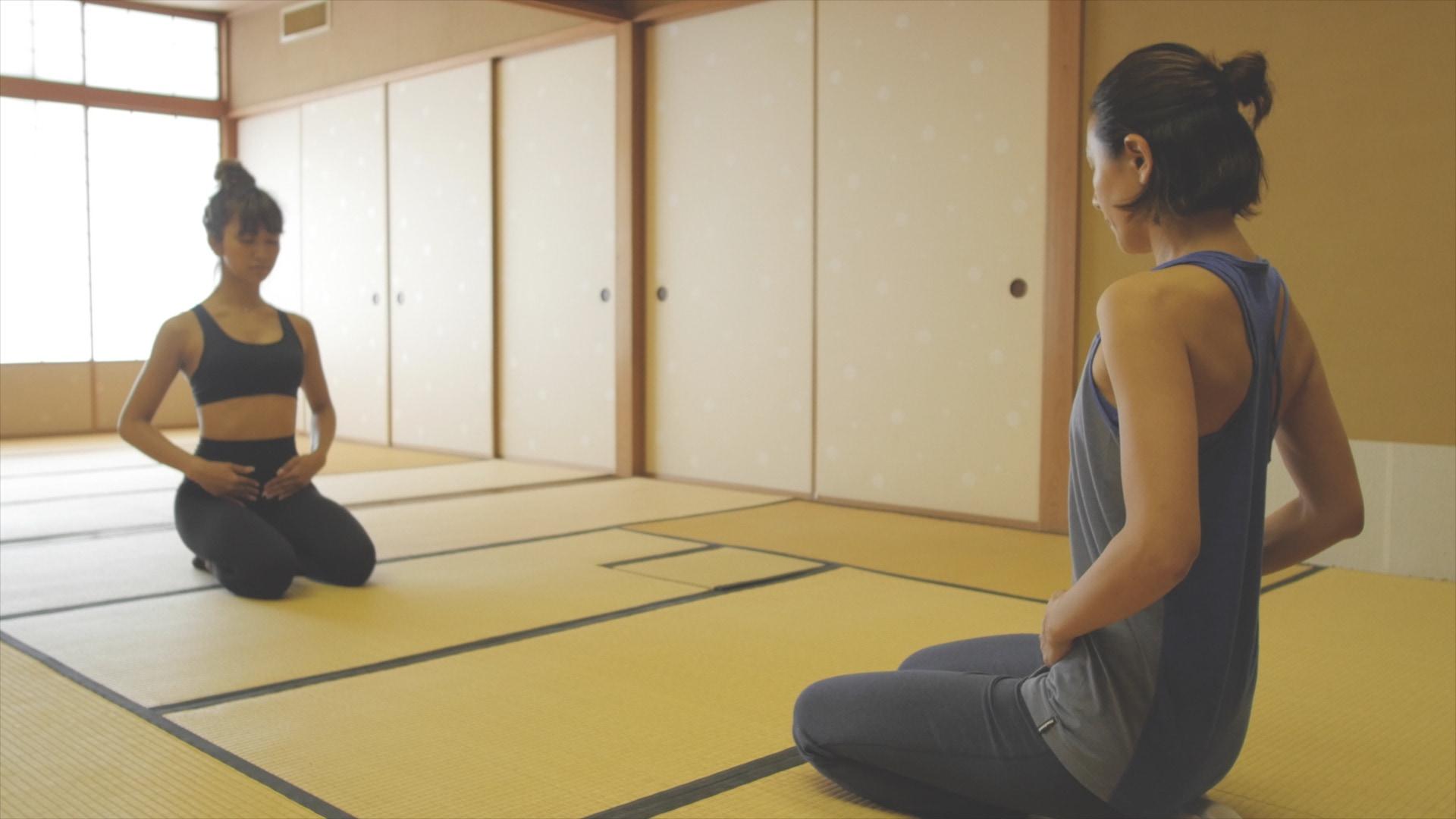 """【日本初インストラクター資格保持者!】長谷川理恵さんによる""""侘びヨガ""""とは?"""