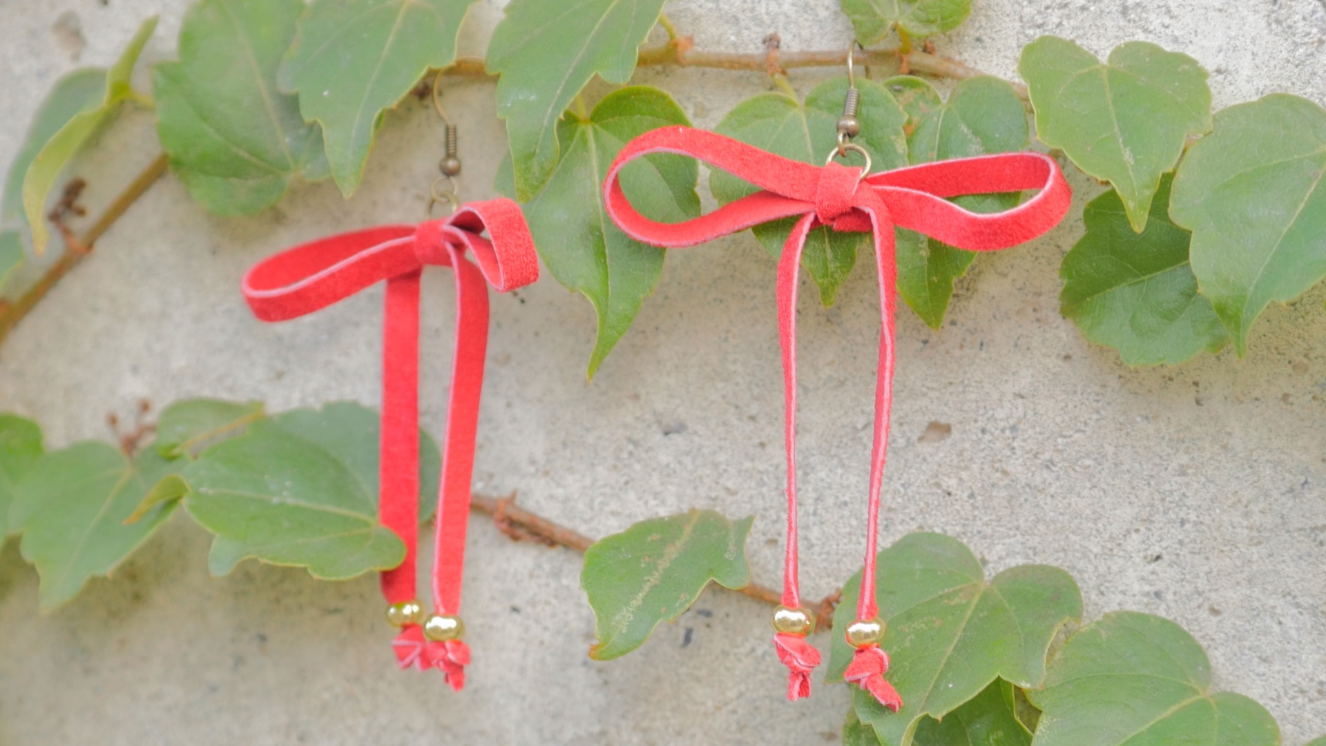 【DIY】秋らしいリボンチョーカー風ピアスの作り方