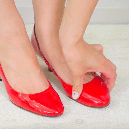 【DIY】Fashion Hacks Vol.8【タイトな靴をジャストサイズにする方法】