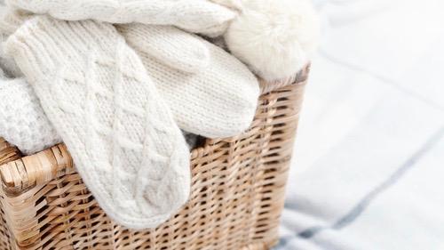 毛玉もシミもきれいに! 東急ハンズで見つける、冬服お手入れグッズ