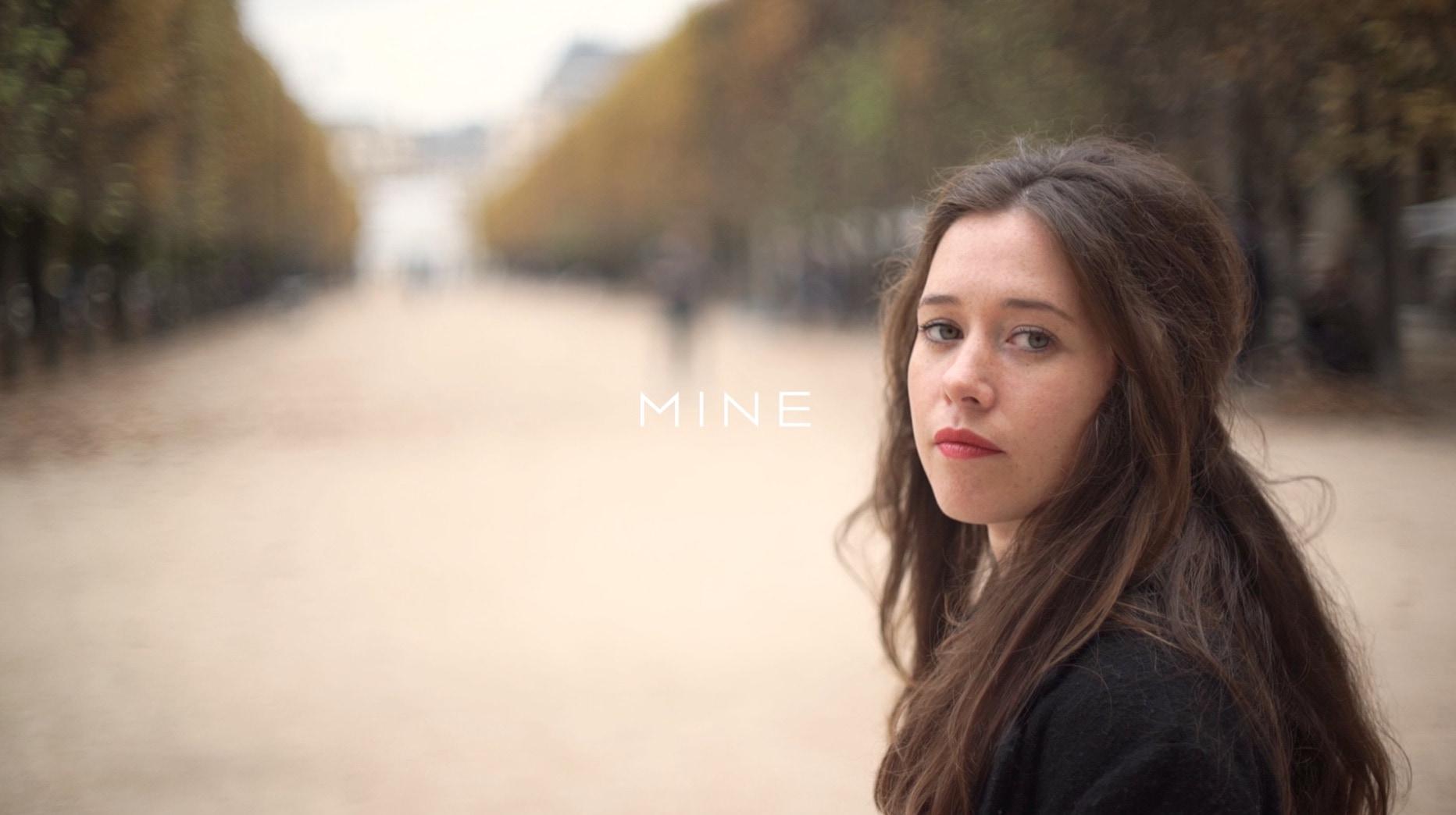【Paris】ワントーンコーデで作る、控えめなエレガントスタイル