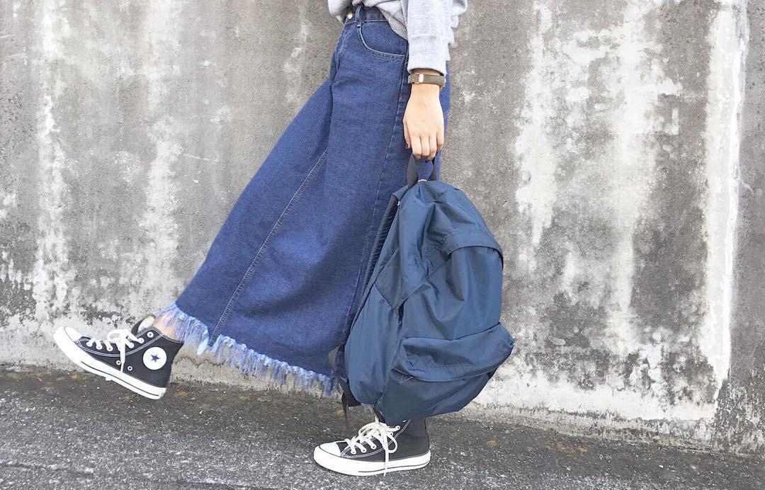 オシャレカジュアルに決める!デニムスカートを使った大人可愛いコーデ特集