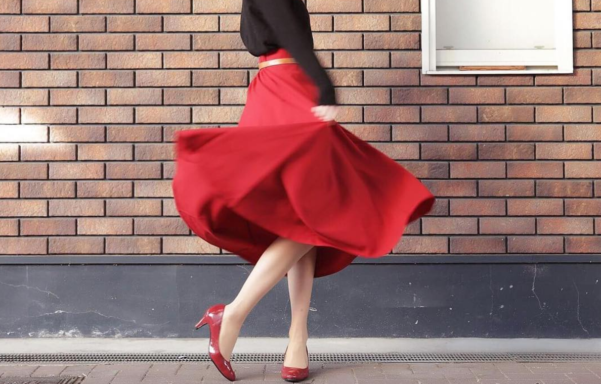 """大人女子でも着こなせる""""ガーリーファッション""""!可愛さプラスのイメチェンコーデ"""