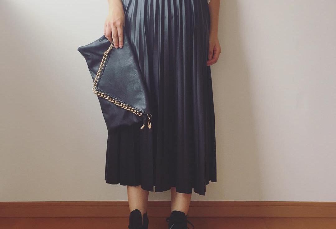 フェミニンクールなファッションアイテムならコレ!レザースカートでできる幅広コーデ