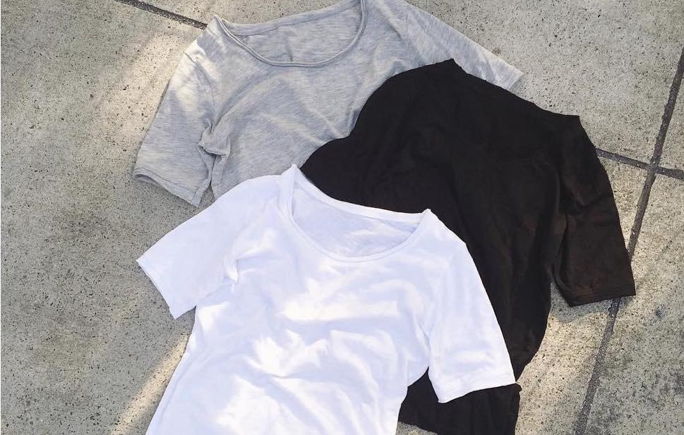 困った時にはこれ!シンプルな白Tシャツはオールシーズン活用できる優秀アイテム