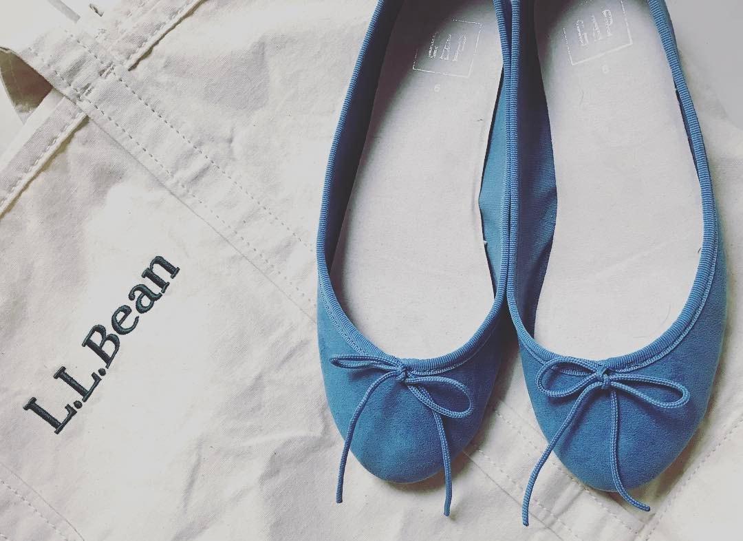 春のフラットシューズはバレエタイプでかわいらしく。甘めな靴で楽しむおしゃれスタイル