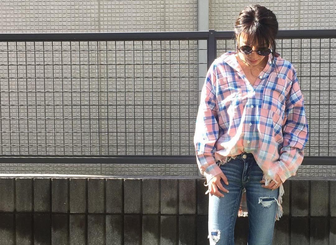 チェックシャツでラフファッションを楽しむ。ダサくならないチェックシャツの賢いスタイル