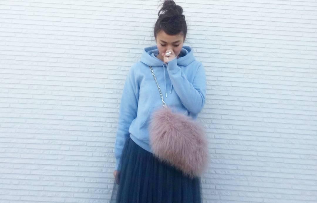 ふんわりスカートでリッチな大人ファッション。チュールスカートが叶えるトキメキコーデ
