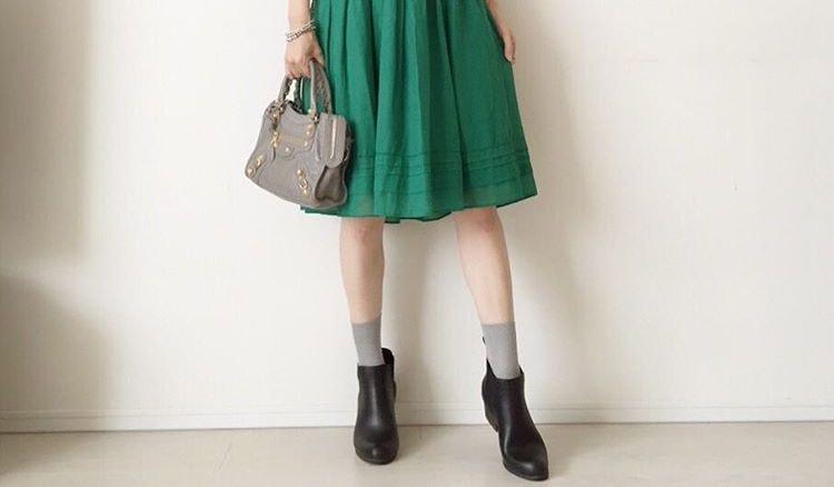 レインシューズのお出掛けファッション。大人っぽくレインシューズを履きたい