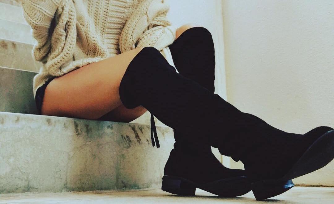 スラリとした足元を見せるならニーハイブーツ!シューズで楽しむハンサム女子スタイル