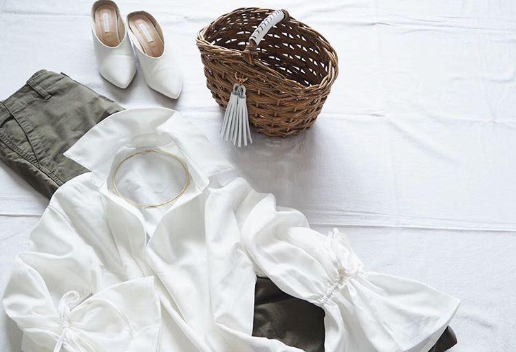 今年はどう着る?マンネリに陥らない春の新鮮な白シャツコーデを研究
