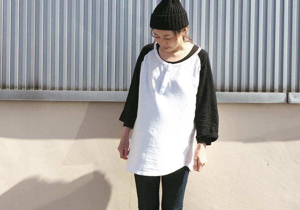 今日は何を着る?春コーデのお悩みは長袖Tシャツで解決するべし!