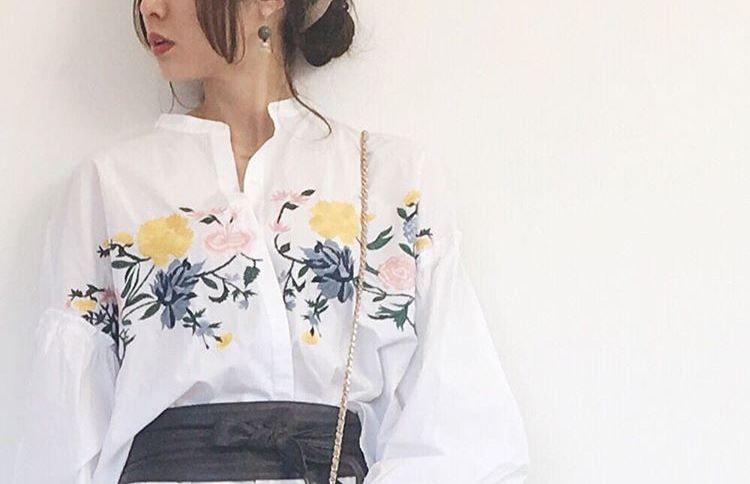 春夏の季節感は花柄でゲット!花柄のアイテムで作る女性らしい大人キュートな装い