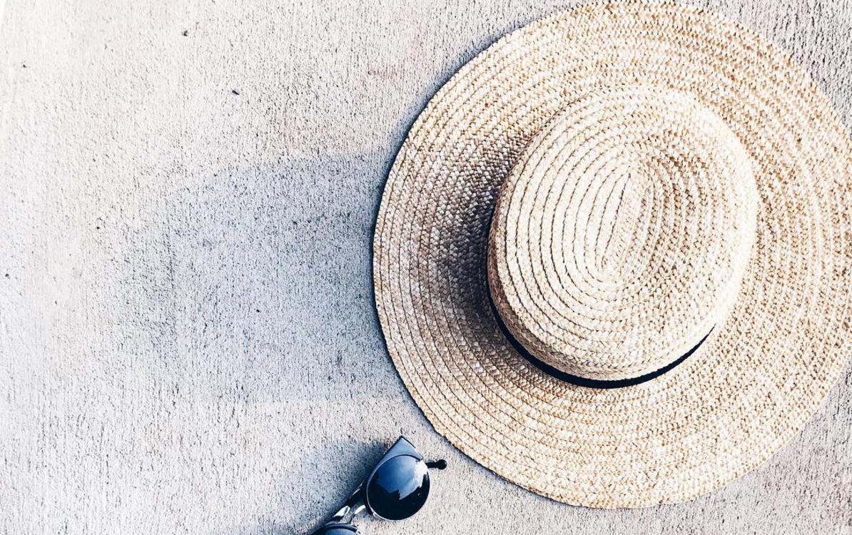 夏の日焼け防止にも大活躍!この夏活用したい帽子を使ったオシャレママコーデを提案