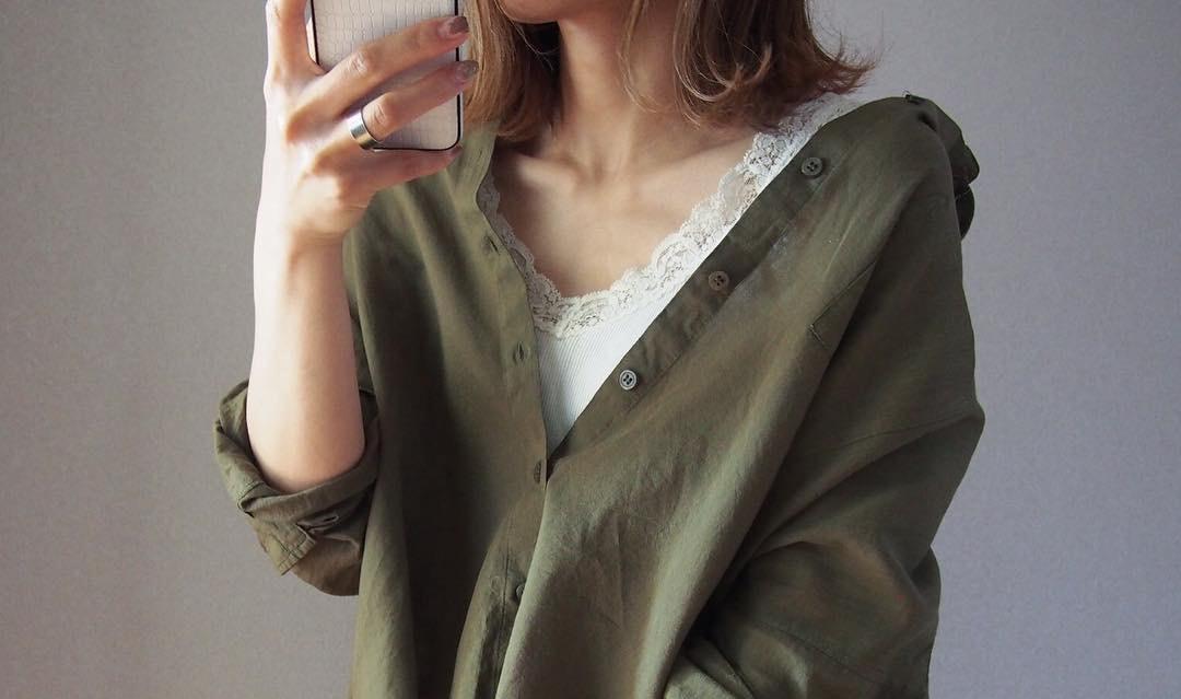 夏の羽織ならカーキシャツがおすすめ!ゆるくまとめる余裕の大人カジュアルスタイル