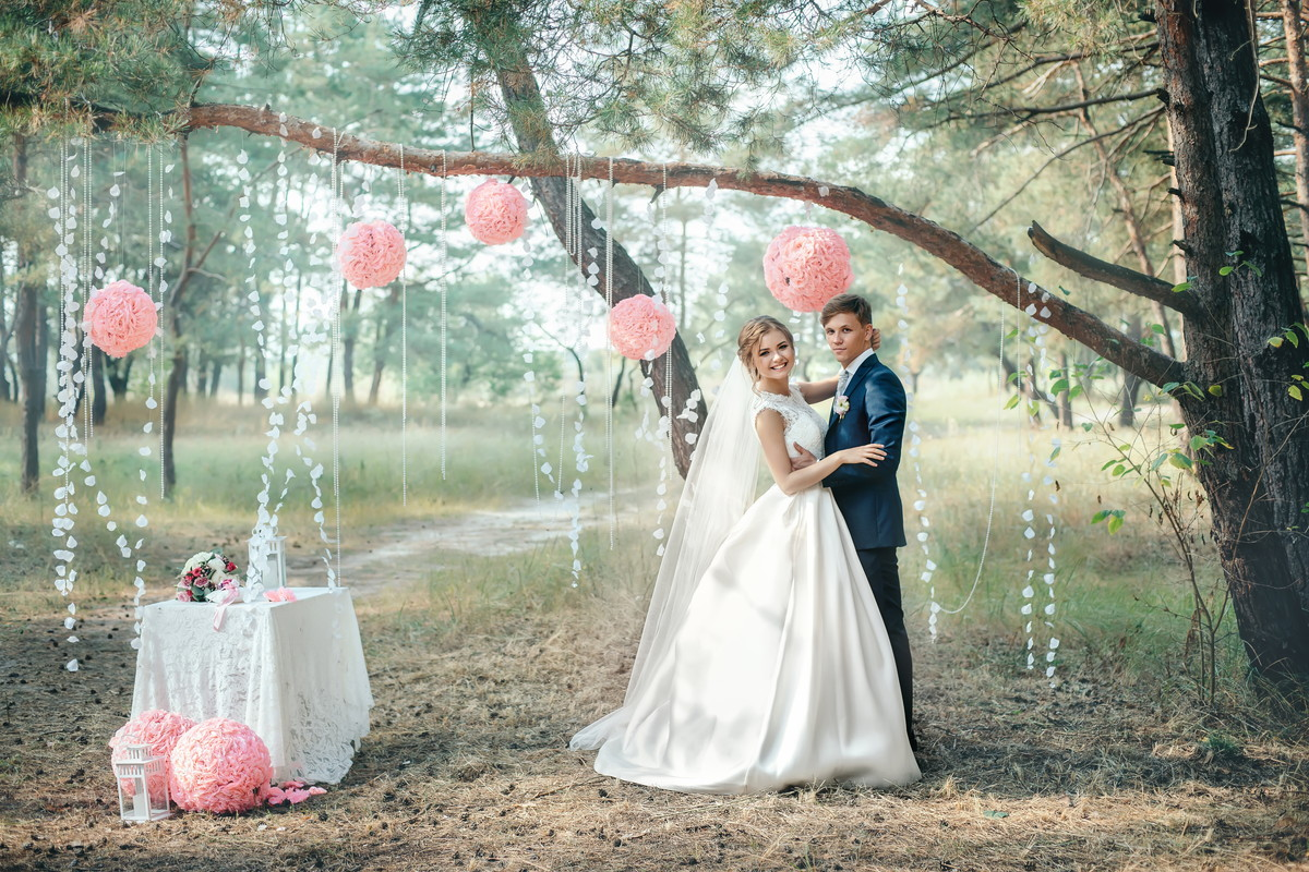 結婚式のテーマが決まらない…おすすめのテーマ一覧とベストな決め方を紹介