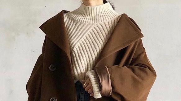 冬アウター×タートルネックセーターの旬な着こなし術を学ぶ