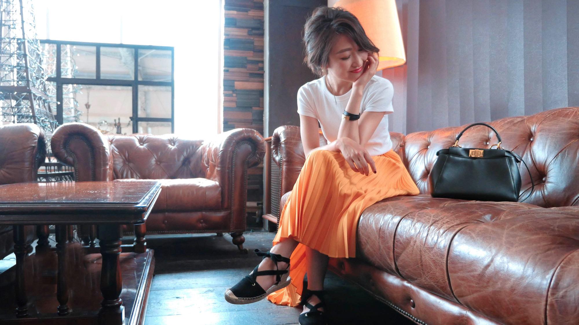 """こなれて見える、金子麻貴さんの""""抜きすぎない""""白Tシャツスタイル"""