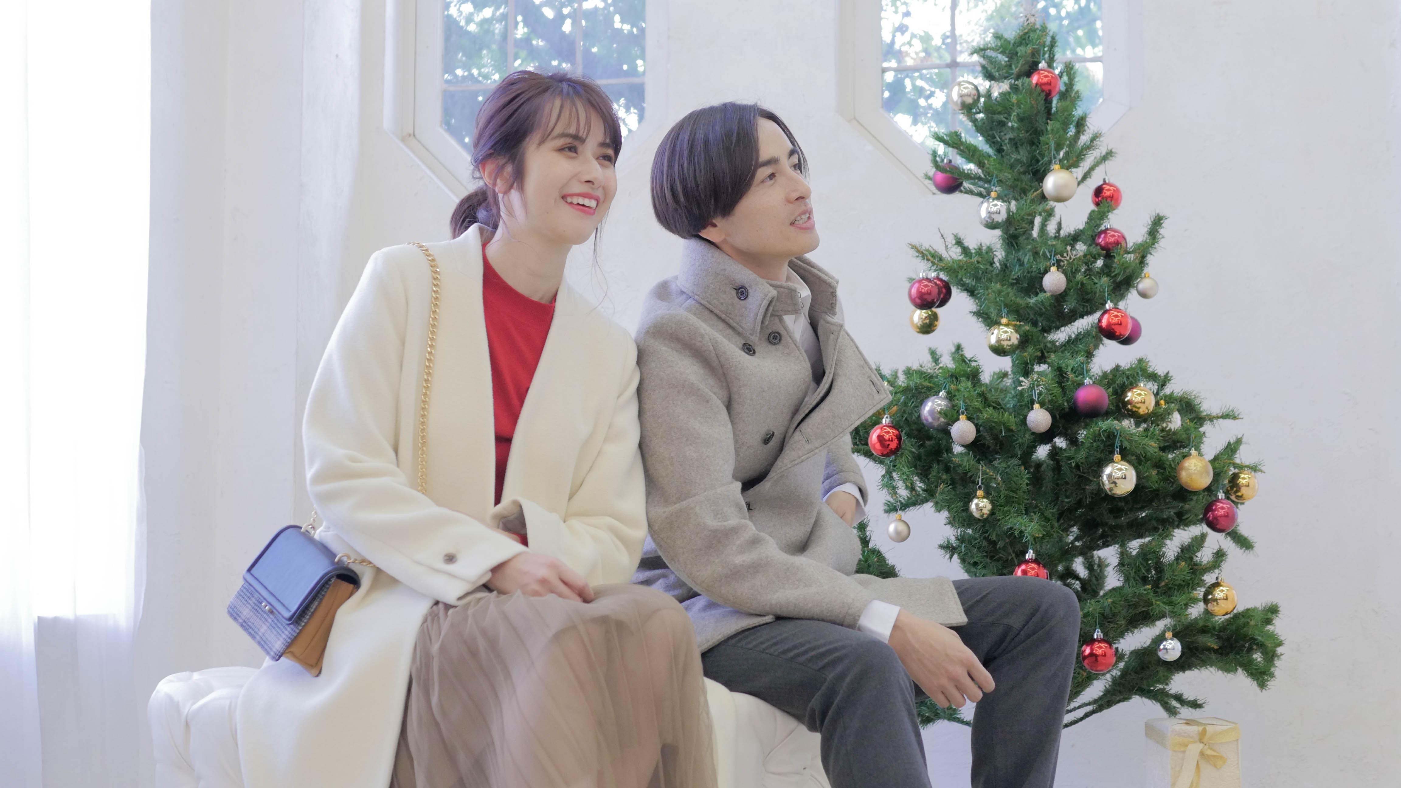 寒い冬にもHOTなクリスマスカップルコーデ