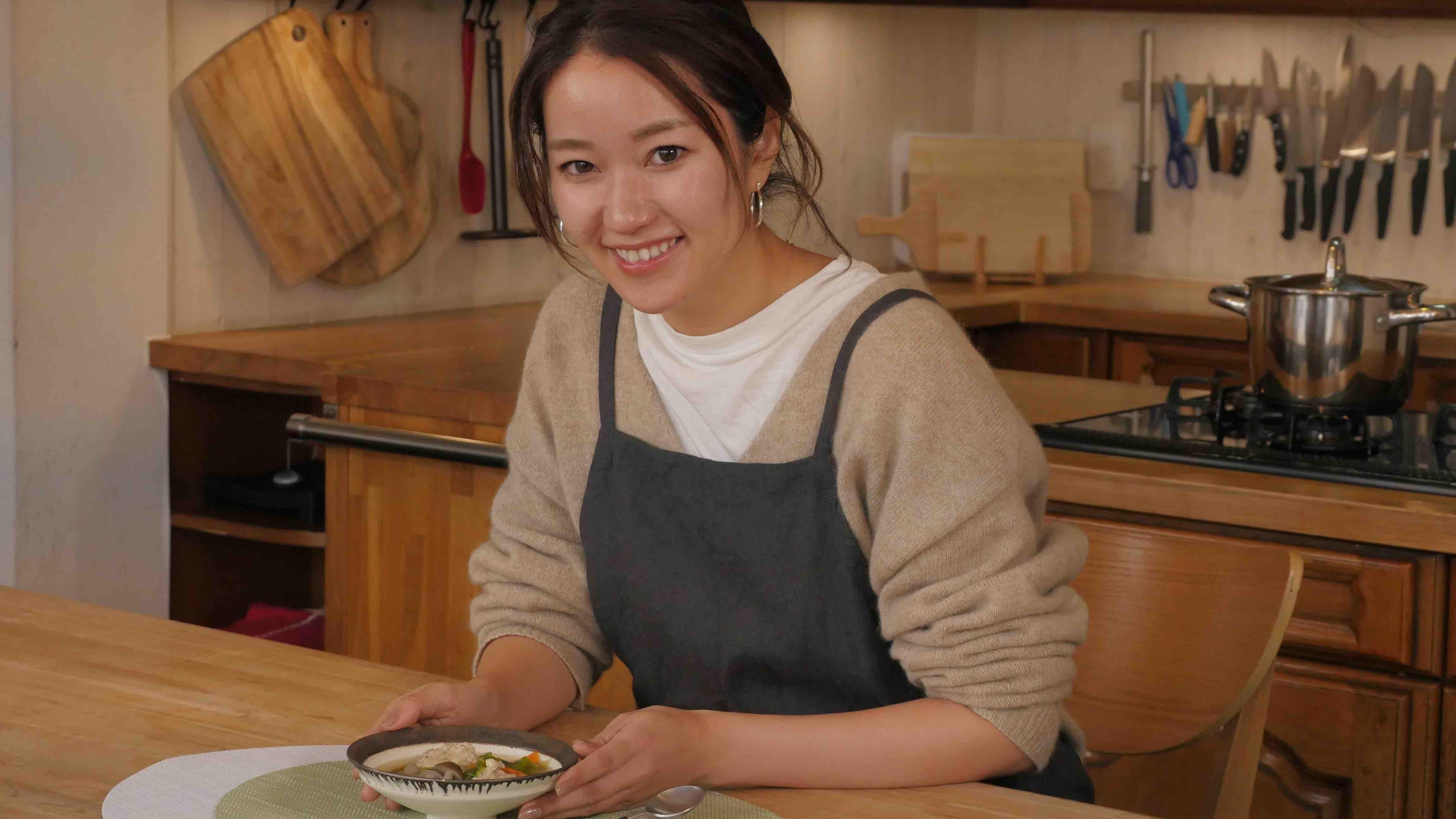 生姜たっぷり、糖質OFFの鶏団子スープ【低糖質レシピ】