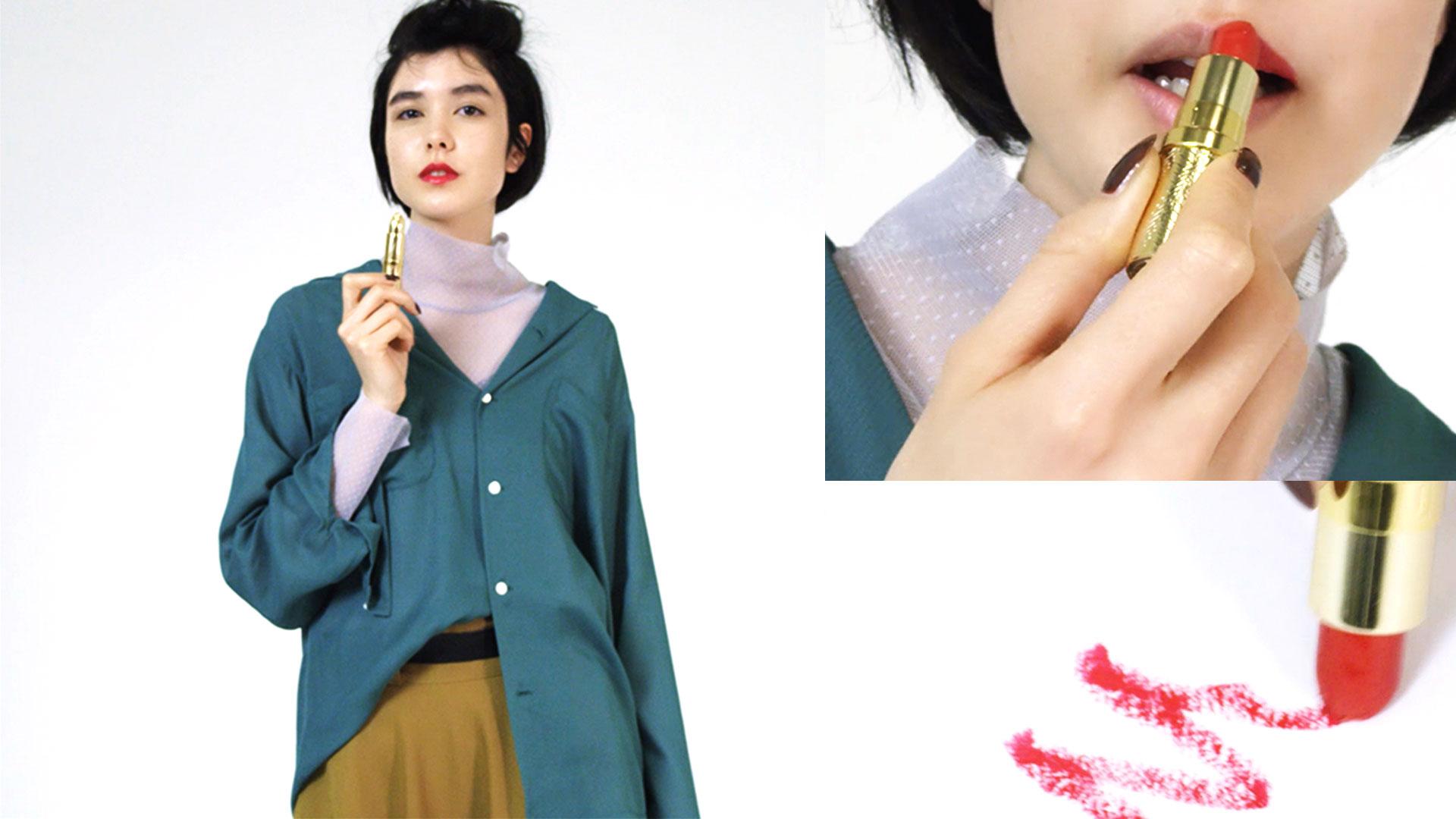 【服とメイクの関係】マニッシュな緑の服に、リップは何色を合わせる?