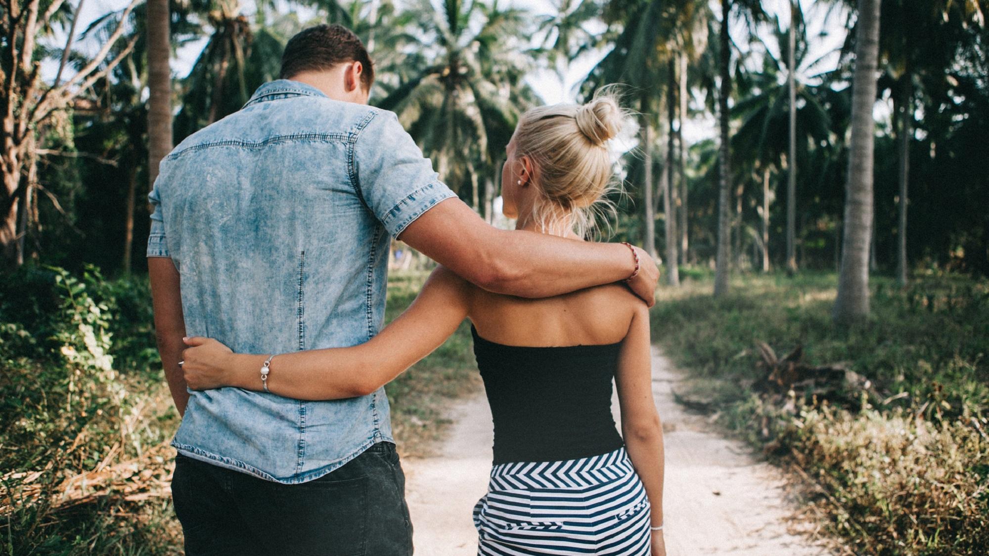 夏に付き合ったカップルが「秋に別れる理由」5つ