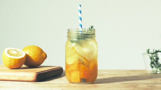夏の暑さに疲労困憊…。そんな時に飲みたい「デトックスウォーター」レシピ