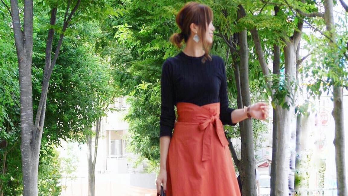 キレイ色スカートの女っぽスタイリングはヒロイン級の可愛さ