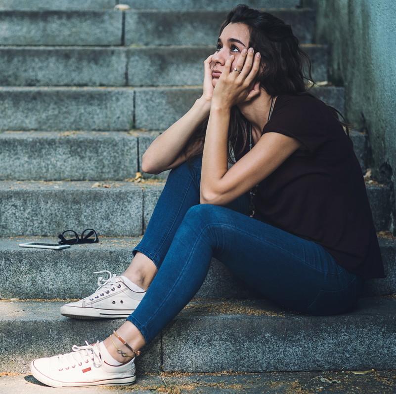 デート前日なのに彼氏から連絡なし…相手側の心理とベスト対処法4つ