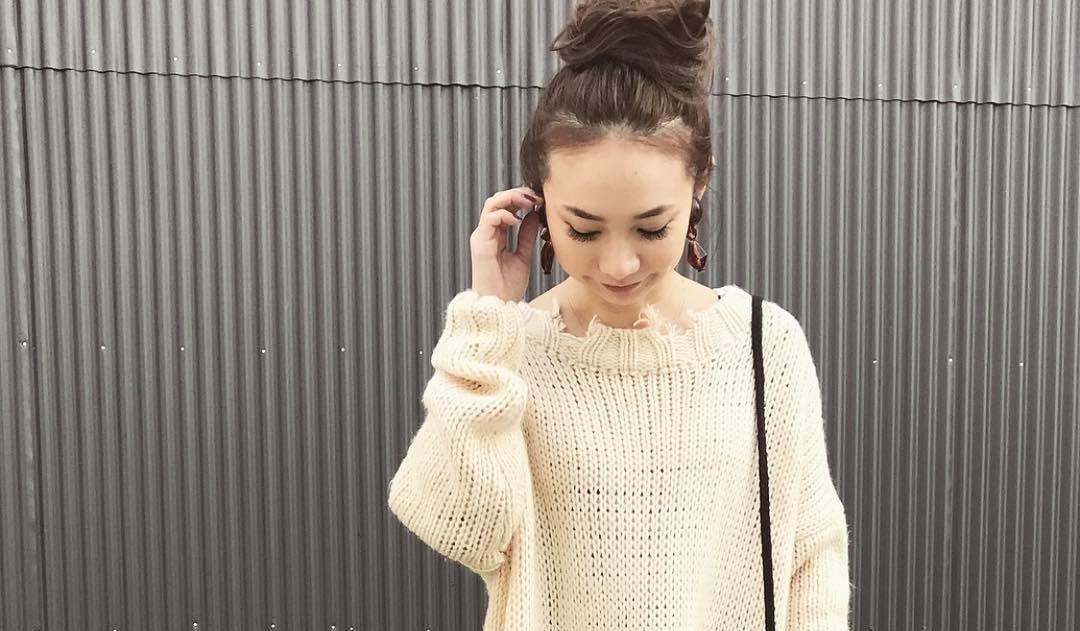 このダメージ感が新鮮!さりげない裾フリンジでこなれ感UPの秋コーデを楽しむ