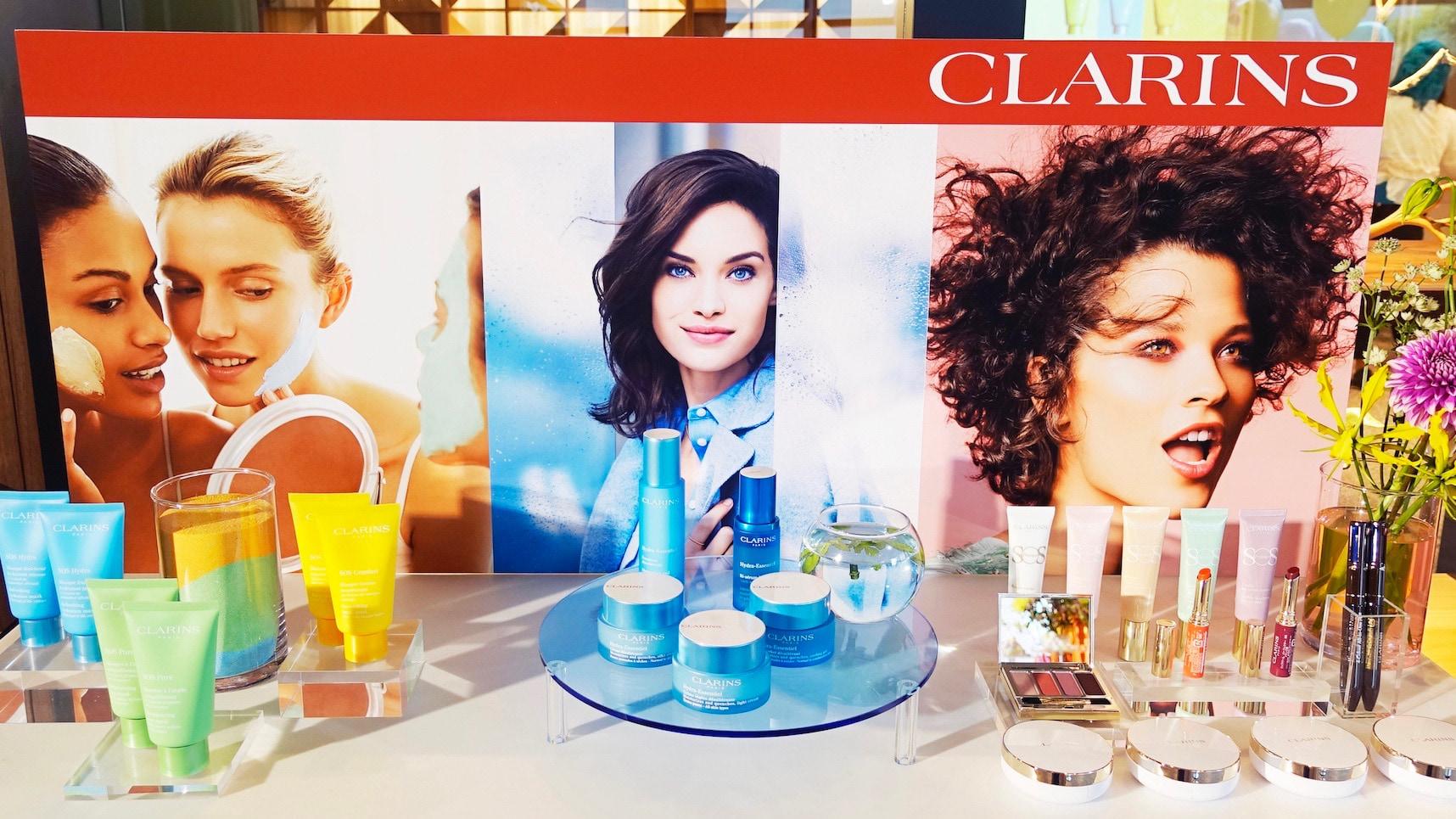 クラランス、スキンケアの新ラインと4色ボールペン型のライナーを発表