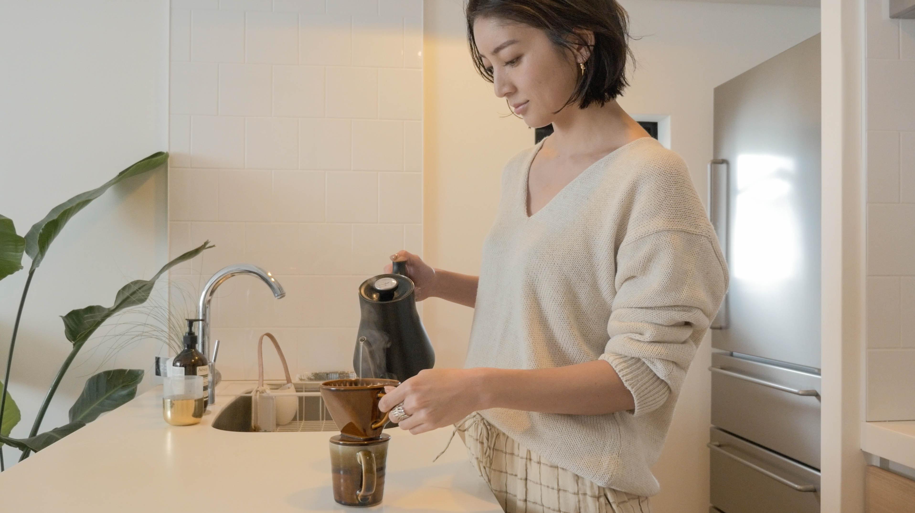 LIFE'Sディレクター、吉田怜香さんのLAを感じるインテリア術【ライフスタイル密着/自宅編】