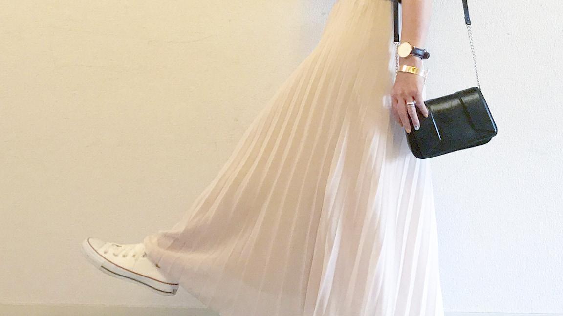 """可愛いだけじゃない!実は万能な""""白スカート""""で秋のオシャレを楽しもう"""