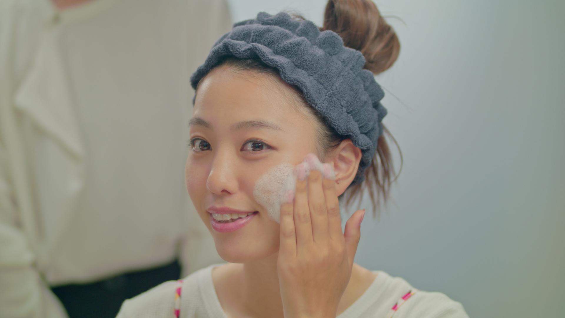洗顔するのが待ち遠しい!夏の毛穴悩みに「つるり肌」を目指せる酵素洗顔パウダー