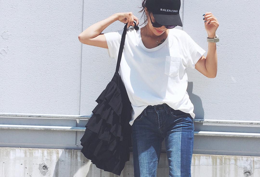 シンプルだからこそバカにできない!白Tシャツでズバ抜け夏ファッション