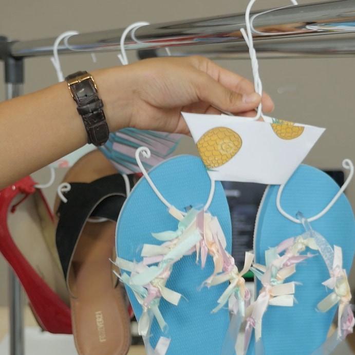 ワイヤーハンガーをDIY!これでスッキリ!靴の賢い収納方法