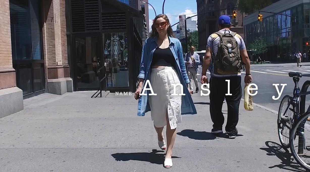 リネン素材のホワイトスカートで女性らしく!New Yorkerのフェミニンスタイル