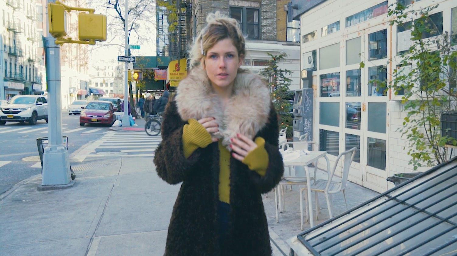 【NY】顔まわりが華やぐ、冬コーデに欠かせないファーショール
