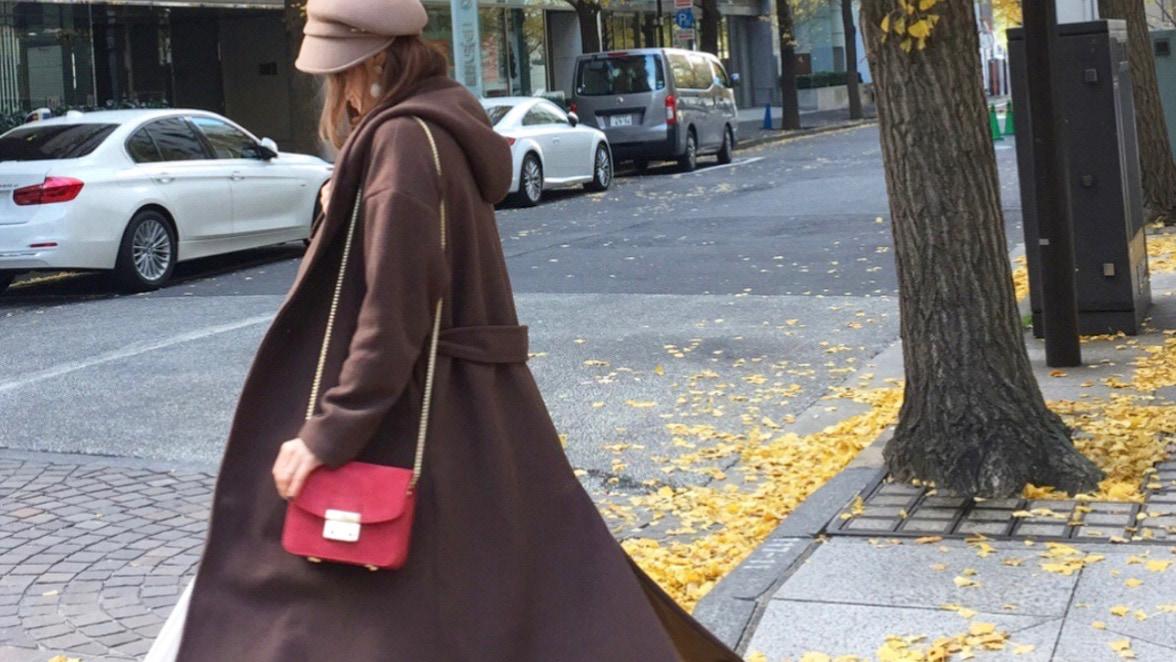 できる女のバッグは小さい?アクセ感覚で持ちたいチェーンバッグ