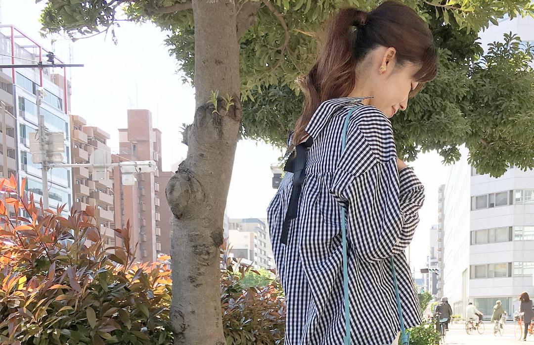 欲しいギンガムチェックシャツは個性派シルエット!シンプルなのに自分らしい春夏コーデ