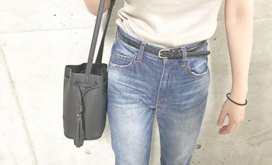 両手が空くからやっぱり便利!夏のお出掛けはショルダーバッグで軽快に!